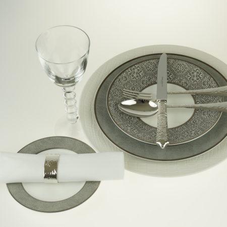 Servies met platinum/zilverdecor